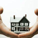 Người thu nhập trung bình nên mua căn hộ chung cư, nhà mặt đất hay nhà tập thể?